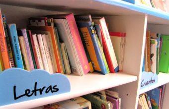 Alumnos de Objetos IV diseñan y donan Biblioteca para Campamento Municipal de Coliumo.