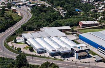 Director de Ambientes y Objetos visita fábrica en Brasil