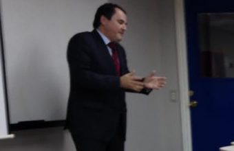 Presentación en clases: Aspectos legales y del derecho en la empresa de hoy
