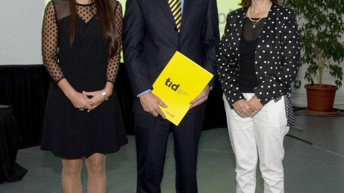 Federico Valdés, Alejandra Amenábar y Andrea Muñoz