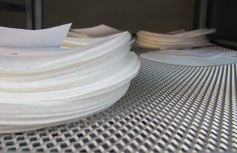 Investigadores de la Facultad de Diseño crean papel antibacterial con partículas de cobre