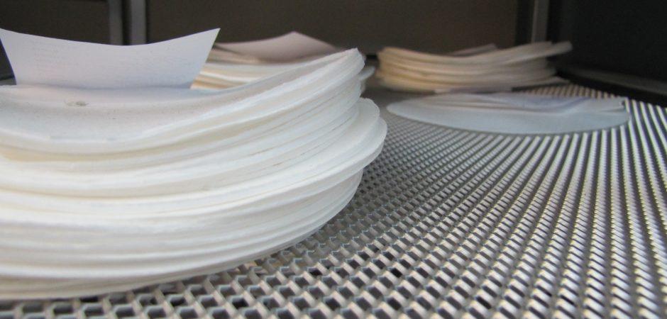 Muestras de papel antibacterial incorpora cobre