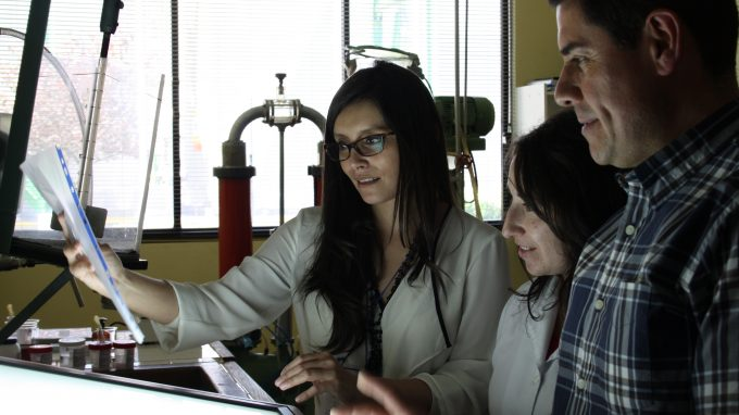 Desarrollo papel antibacterial con Paulina Contreras y Víctor Apablaza