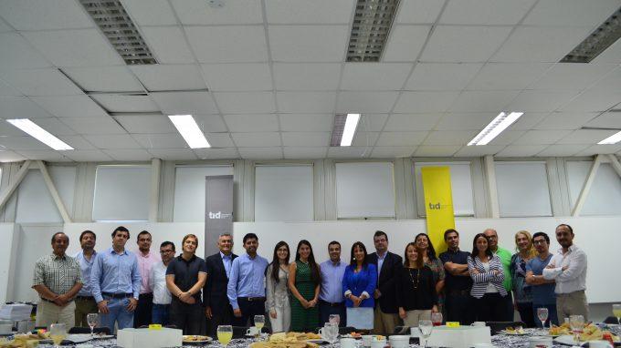 Equipo TID: Alejandra Amenábar, Paulina Contreras, Hernán Díaz, Francisco del Despósito y profesores