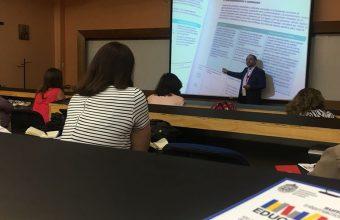 Profesores de Diseño expusieron en Summit Internacional de Educación UC
