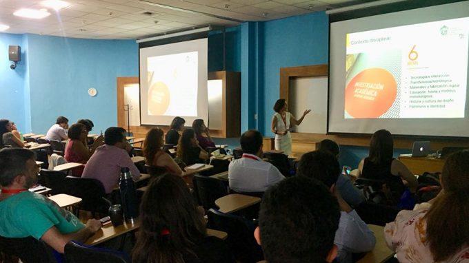 Úrsula Bravo expone en Summit Internacional de Educación UC