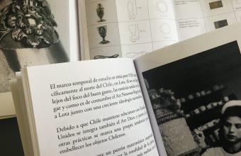 SEDA, CRISTAL, PLATA, PAPEL, MADERA Y CERÁMICA / COLECCIÓN DE LIBROS SOBRE LAS ARTES DECORATIVAS EN CHILE DESDE EL ANÁLISIS DE SUS MATERIALES