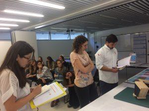 Paulina Contreras, María José Williamson y ONG evaluando proyectos de alumnos