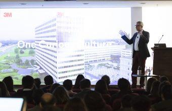 Eric Quint y Gonzalo Castillo plantean sus visiones sobre el aporte del diseño a la competitividad en seminario de Diseño UDD y 3M