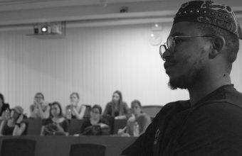 Siya Beyile, emprendedor de moda africano, realiza charla en Diseño UDD